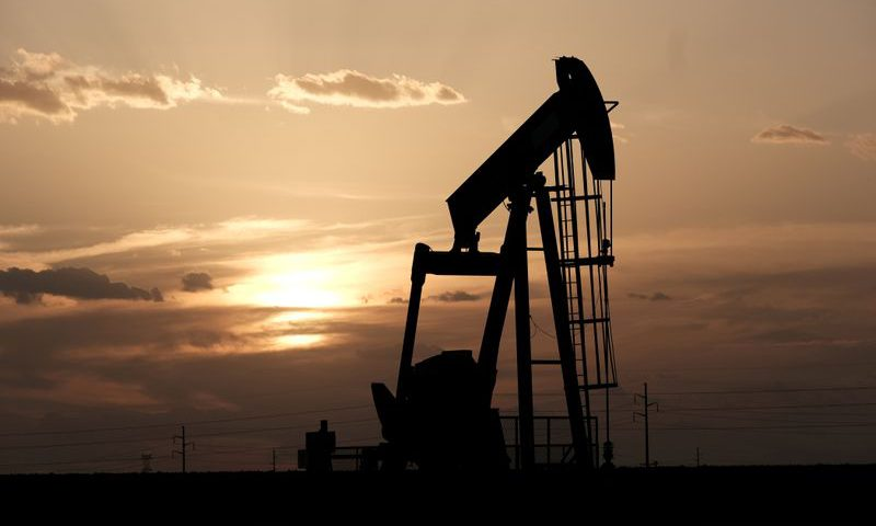 U.S. crude falls below $30 as Fed move fails to calm markets